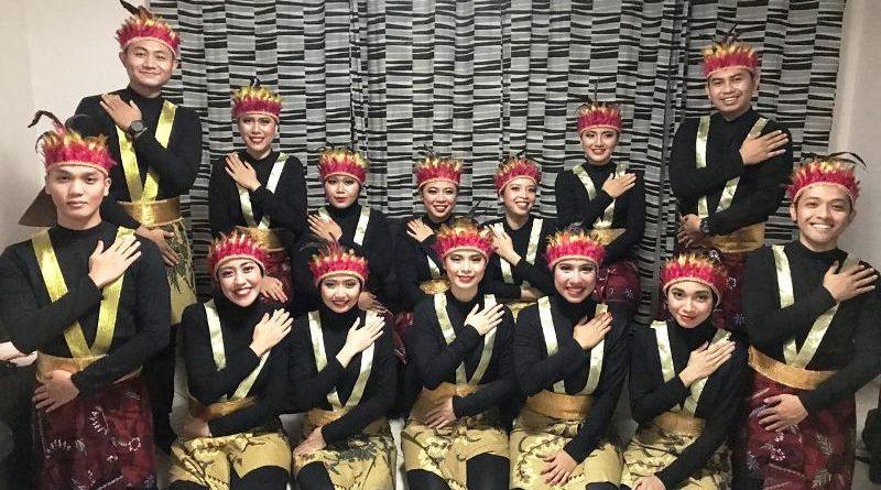 Kru Air Atlanta Kenalkan Kekayaan Budaya Indonesia lewat Tari Saman